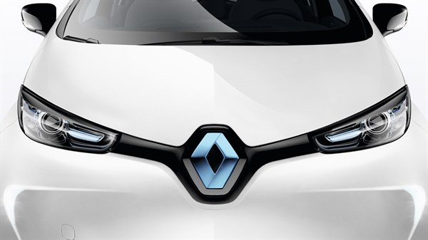 Renault ZOE - Front side - Blueish chrome logo