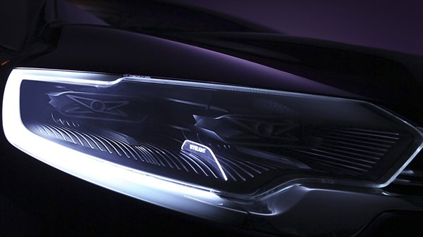 Close up of the Renault INITIALE PARIS concept car headlight