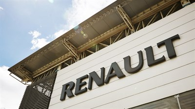 Renault Z.E. - Quick charging in a Renault dealership